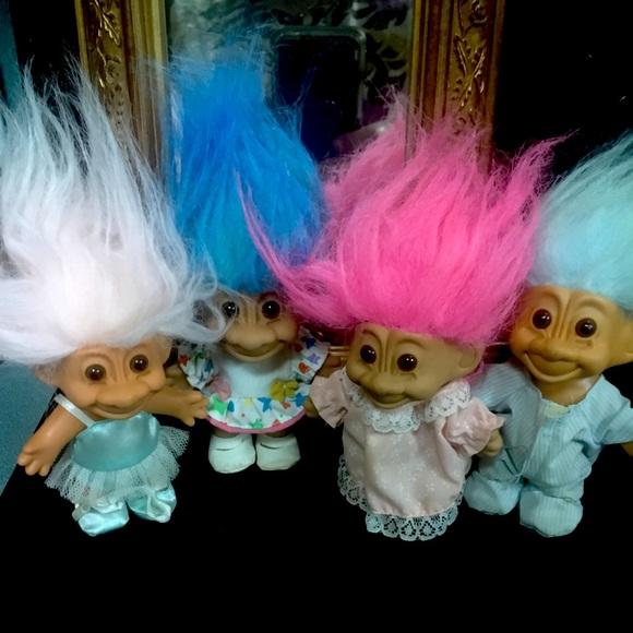 Troll dollls